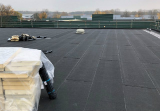 Flat and asphalt roofing